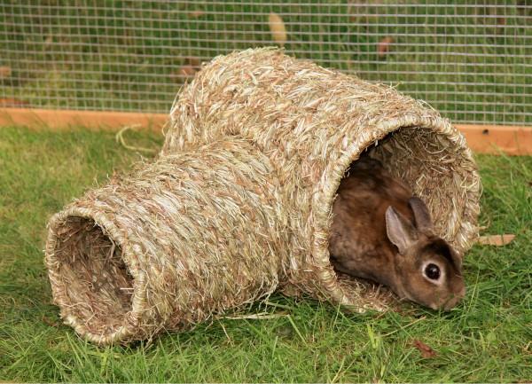 Röhre aus natürlich getrocknetem Gras, als Unterschlupf, Nest oder Spielplatz