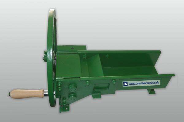 Grünfutterschneider/ Grünzeugschneider, mechanisches Gerät mit 3 Schneidmessern zur Herstellung von Geflügelfutter
