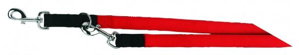 Führleine aus stabilem Nylongewebe mit robusten Beschlägen und Karabinern, rot