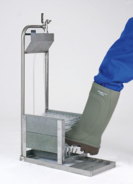 Stiefelreiniger mit Wasseranschluss zur einfachen Reinigung und Desinfektion