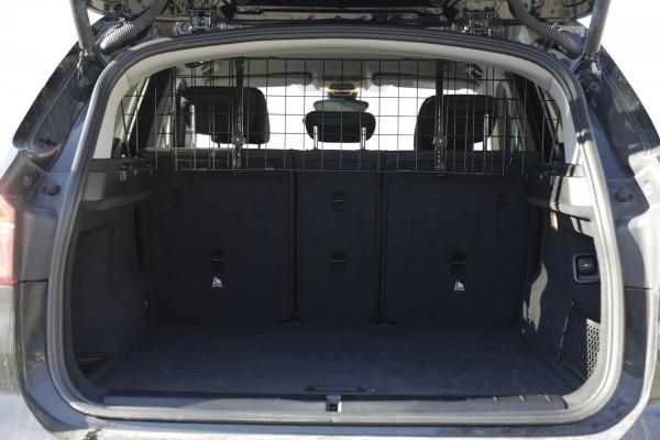 Auto-Schutzgitter trennt den Laderaum vom Personenraum und dient zum sicheren und bequemen Transport Ihres Vierbeiners